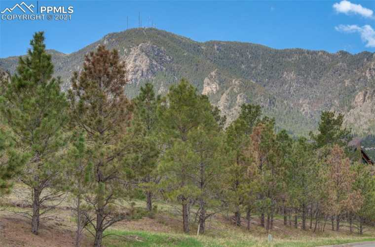 Stunning panoramic mountain, lake and city views from lot